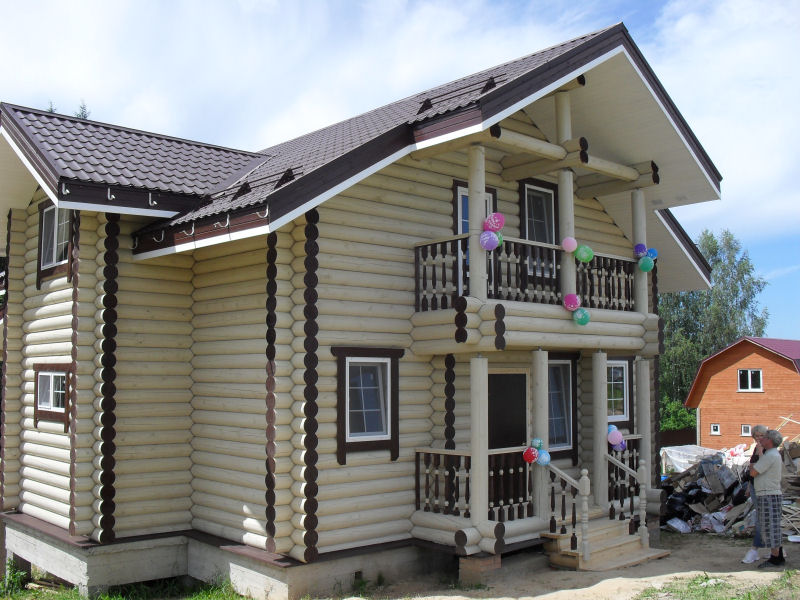 Фасады частных деревянных домов фото
